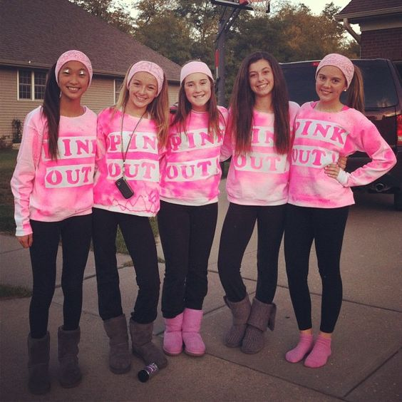Me and some of my Best friends going to the Football game together!! Im the one in the brown straightish hair.