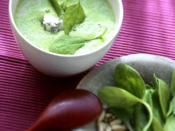 Spinatcremesuppe ist ein Rezept mit frischen Zutaten aus der Kategorie Cremesuppe. Probieren Sie dieses und weitere Rezepte von EAT SMARTER!