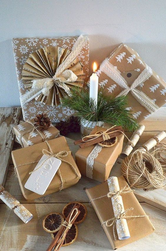 Kraft Paper Gift Wrapping For Christmas Gift Wrap Is A Perfect Idea Looks Good And Very Warm Christmas Gift Wrapping Gift Wrapping Inspiration Gift Wrapping