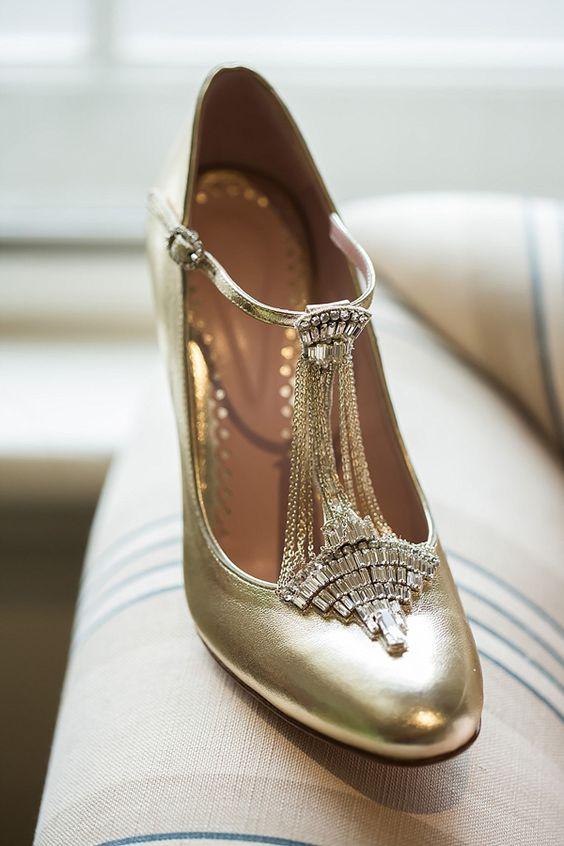 Escarpins en cuir doré style Art Deco - Chaussures: Emmy Shoes - La Fiancée du Panda blog Mariage et Lifestyle