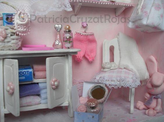 Detalle cuadro dormitorio ni a beb con miniaturas - Dormitorio bebe nina ...
