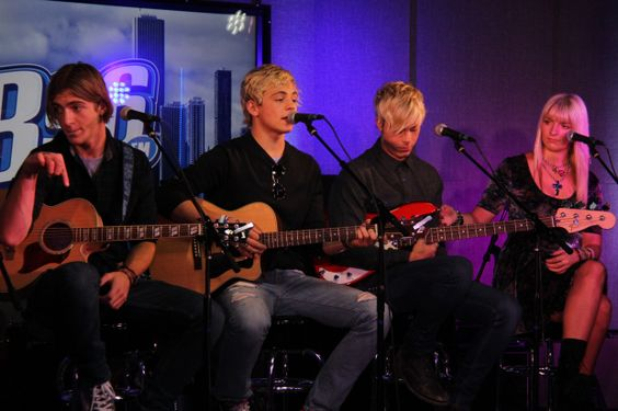 R5 Performs Live At B96′s Blue Cross Blue Shield Performance Stage « Chicago's B96 – 96.3 FM