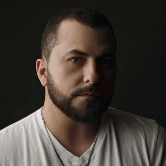 Tyler Farr is one of the hottest American country music singers. HIs new album #SufferInPeace featuring #Withdrawals is available now! #TylerFarr #FlipagramMusic #FlipagramMusic