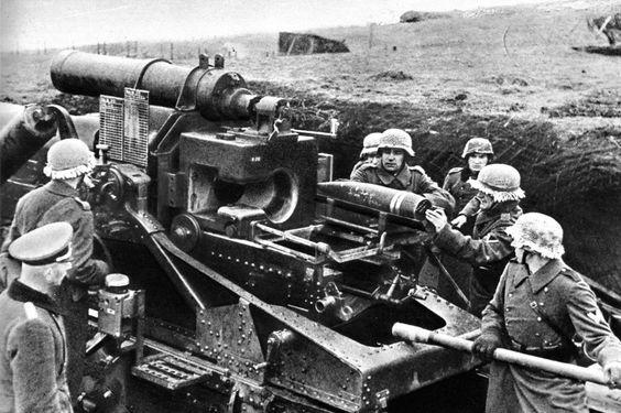 Работа расчета 173-мм пушки Kanone 18