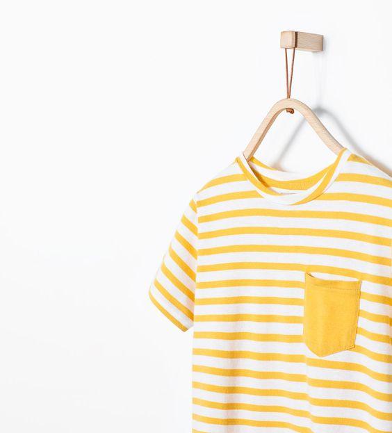 Imagem 3 de T-shirt riscas com bolso da Zara