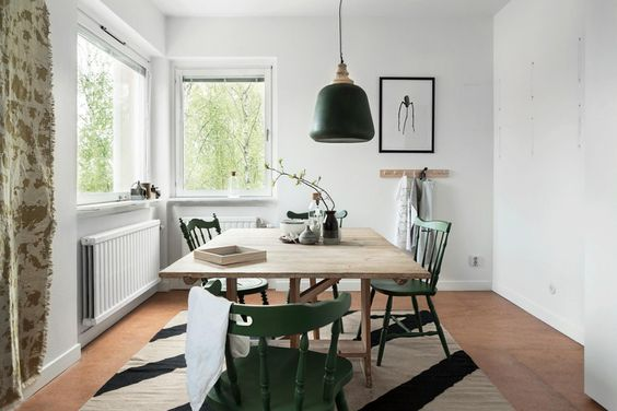 simple, relaxed dining room inspo