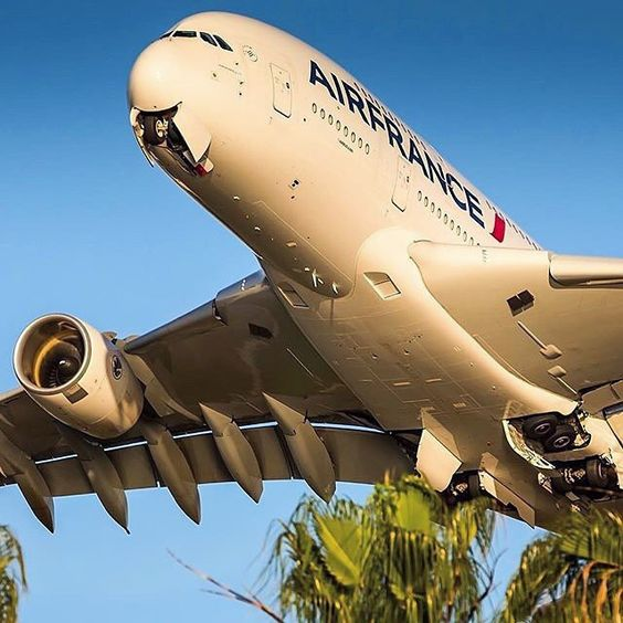 Big, bigger, biggest! Air France A380 blasting out off Los Angeles LAX airport