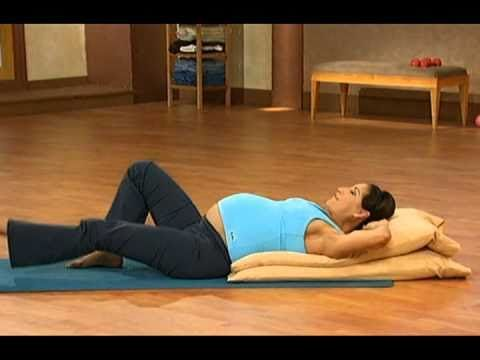 10 minute prenatal Pilates part 2, the instructor teaches you to strengthen your core muscles & releases any pregnancy discomfort. Workout to suit different stages of your pregnancy. #exercise #pregnant