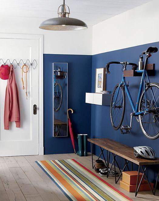 die dunkle farbe l sst flecken weniger sichtbar werden w nde nur zur h lfte streichen damit. Black Bedroom Furniture Sets. Home Design Ideas