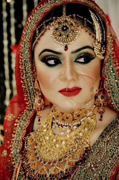 Gorgeous bengali muslim big boobs in sexy heels
