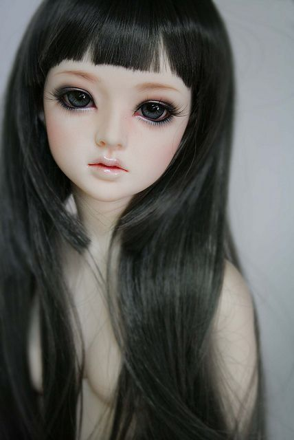 Hael-smoky make-up by supimam, via Flickr