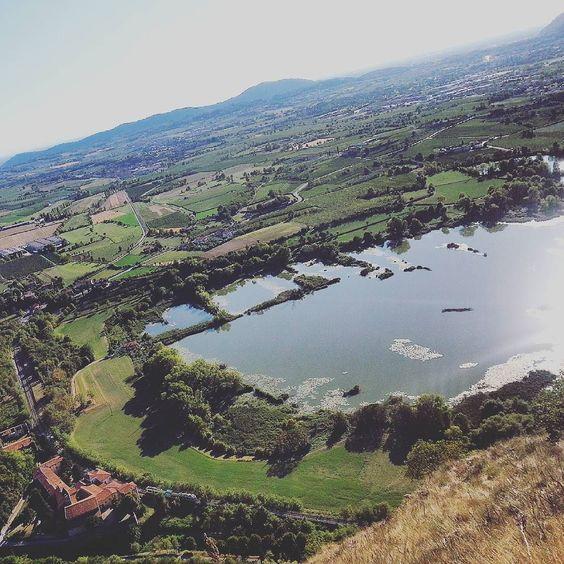 Thank u!!!!  #2000 #followers #franciacorta from #montecognolo  #provaglio d' #iseo #panorama #landscape #country #countrylife #sky #winelover #italianwine #nature #green #madeinitaly #lombardia #igersbrescia #expo2015 #traveltip #tourism #turismo #enogastronomico #sun #torbiere #monteorfano #vigneti #vigne #vineyards #genuinefranciacorta by genuinefranciacorta