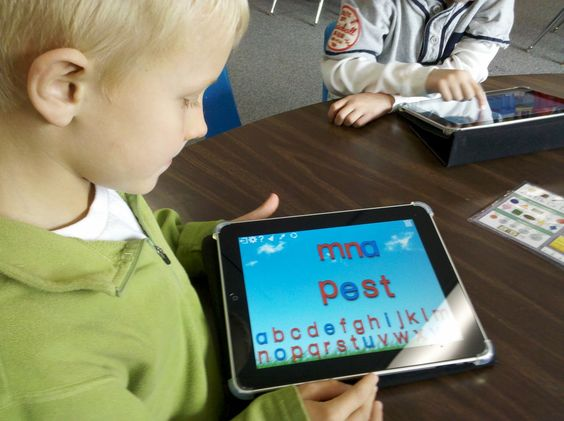Digital Kindergarten- Great blog on how to use ipad and technology in the classroom.
