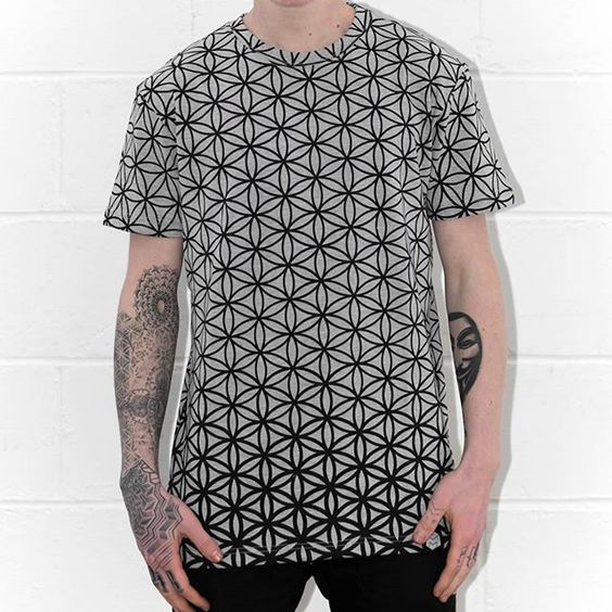 Our flower of life t-Shirt is back for a while!