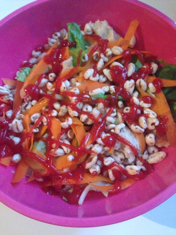 Veggie & puffed wheats salads with ketchup