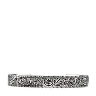 Armreif aus Silber mit Felinekopf