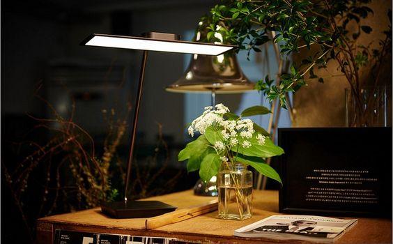 LG OLED SKY Desk Stand Light Office Table Bright Reading LED Lamp NOT Glare/Heat soon available at OLED-Design.com #OLEDDesign