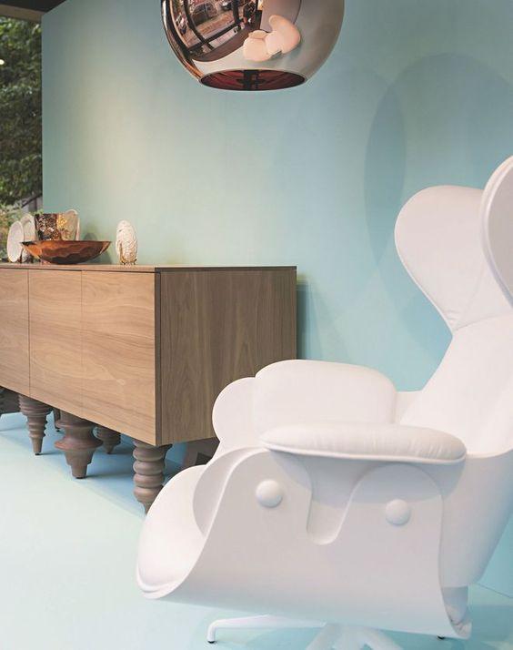 Un show-room à l'esprit de loft dédié au mobilier design