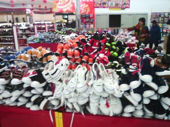 滿滿的都是鞋 (⊙﹏⊙)