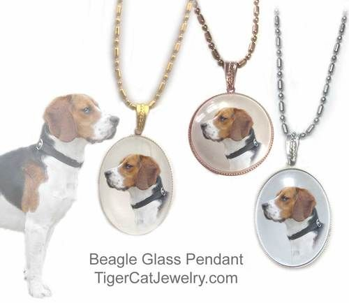 Beagle Dog Pendant Necklace 06 Domed Glass Beagle Dog Beagle