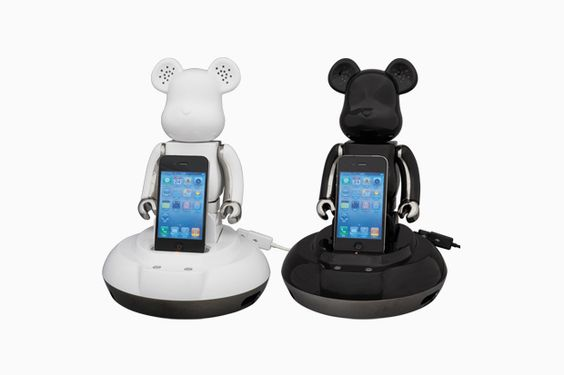 Medicom Toy Bearbrick x radius #iPhone #Speaker.
