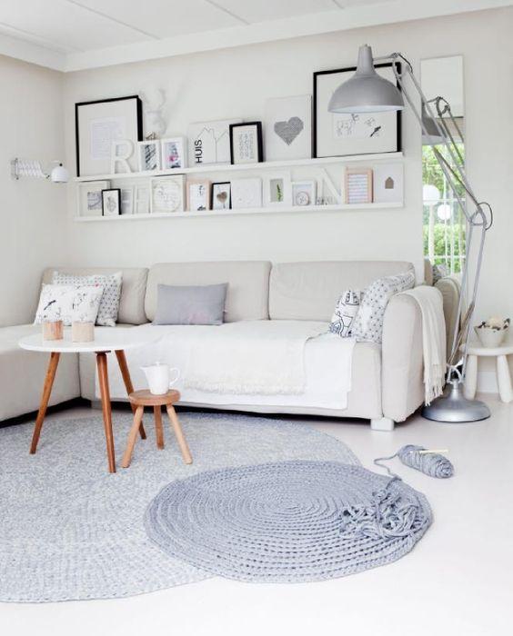 Un salon très lumineux http://www.m-habitat.fr/par-pieces/salon-et-salle-a-manger/idees-deco-pour-votre-salon-2636_A #blanc