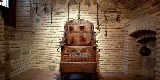 Instrumentos  de tortura reales 86d3f9e2dd49fce02e85824f121917e3