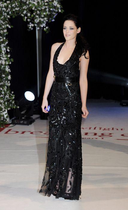 Kristen Stewart - Twilight Breaking Dawn Part 1 Premiere in London, November 16, 2011