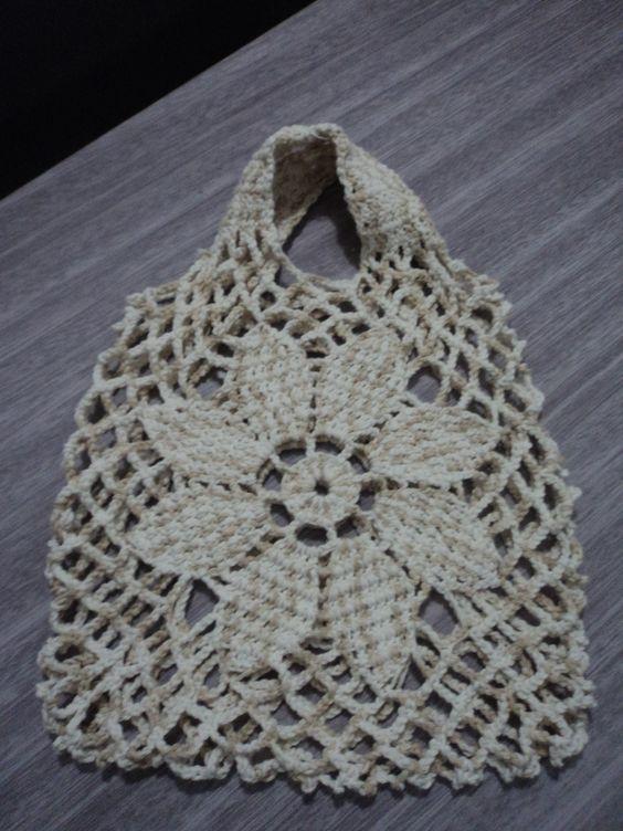 Bolsa de praia em crochê.