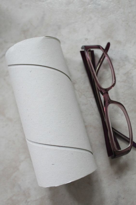 Diy eyeglass case out of paper towel tube crafts from for Paper towel cardboard tube crafts