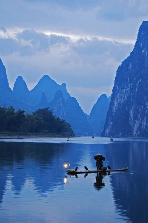 Dawn fisherman by Graeme Chow - @classiquecom