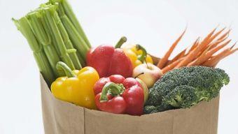 10 alimentos que debes eliminar y 10 que comer para tener un cuerpo más alcalino