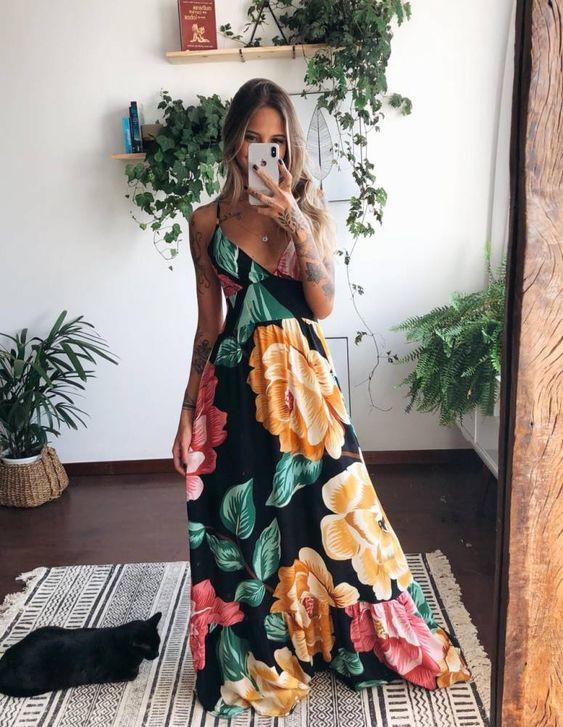 Look vestido florido perfeito para usar em qualquer momento