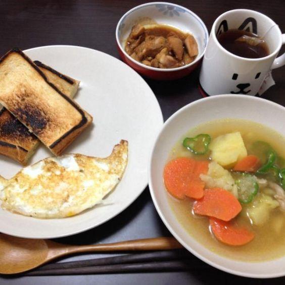 目玉焼きは強い希望の元ターンオーバー。 - 3件のもぐもぐ - スープとチーズサンドと目玉焼き by siratamamariri