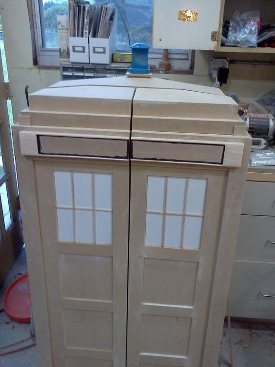 Fabriquer un meuble etagere tardis doctor who pinterest - Fabriquer un meuble d entree ...