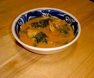 チキンとほうれん草のカレー     /      インド豆知識 インド料理 ガネーシュ インドカレー 広島市 タカノ橋 ガネーシュ(Ganesh)