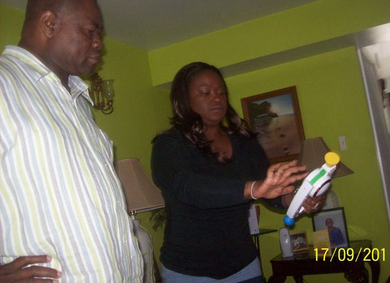 teaching my daddy how to play bop it