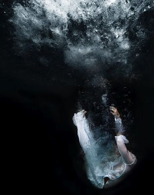 Tomohide Ikeya: Photography Submerged, Artsy, Water Photography, Underwater Lovers, Beautiful Photography, Photography Color