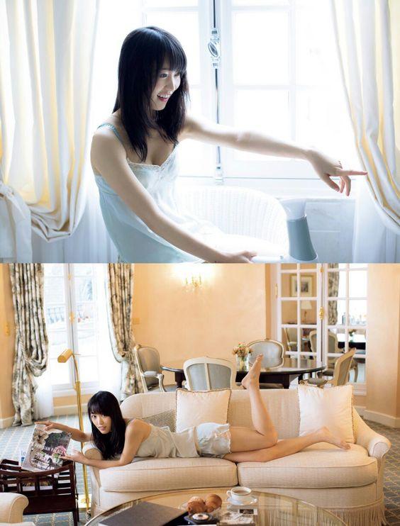 ソファでくつろぐ菅井友香
