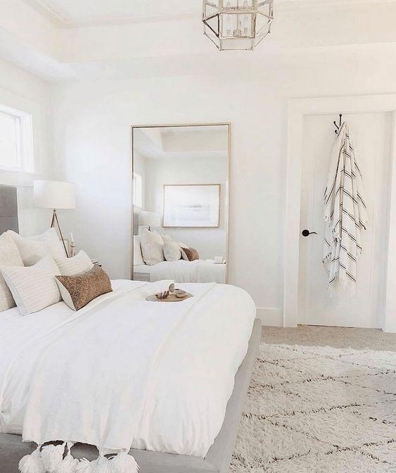 ↗️ 53 Comfortable Master Bedroom Decorating Ideas For Inspiration For The Master Bedroom Decor Of Your Home 17 #masterbedroomideas #bedroomideas #bedroomdecor #bedroomdesign