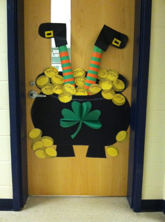 Happy st patrick 39 s day class door school pinterest for Art and craft for classroom decoration