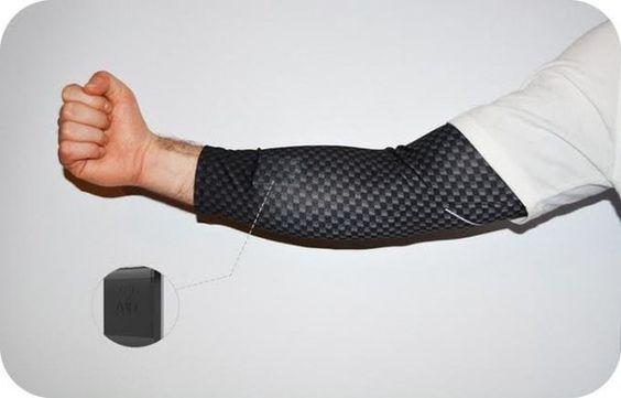Умный рукав-пульсометр представлен на Kickstarter<br><br>AIO — смарт-рукав, на тыльной стороне которого размещается специальный датчик, который будет отслеживать физическую активность, сон, измерять температуру тела и контролировать пульс.<br><br>По заявлению авторов проекта, учитывая плотность п..