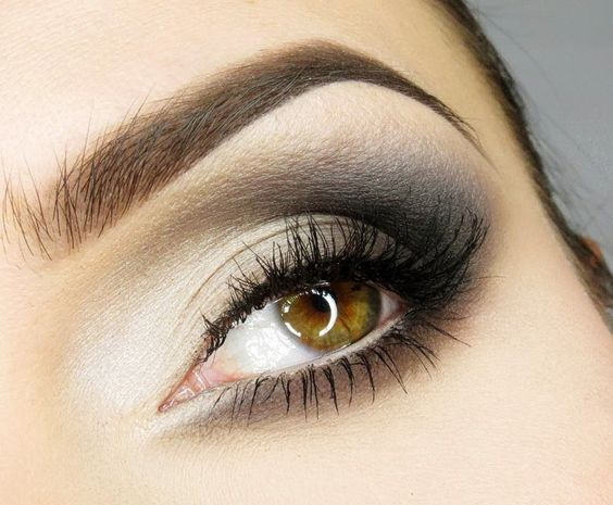 One more way to apply eyeshadows!