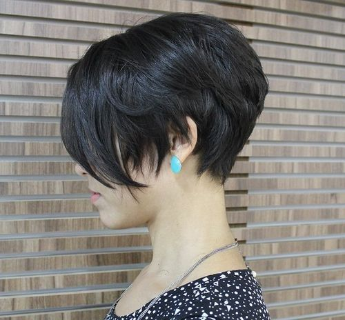 short+brunette+layered+bob