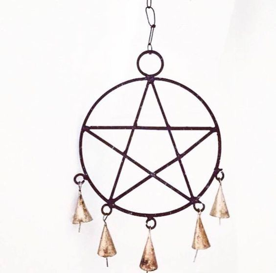 The Witches 'Pentagram' Wall Hanging. / Simply Different