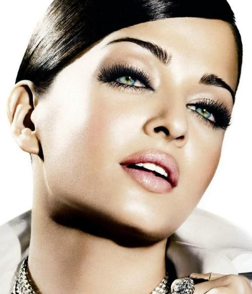 : Aishwarya Rai, Makeup Inspiration, Eye Makeup, Hair Beauty, Hair Makeup, Smoky Eye, Makeup Beauty, Smokey Eye