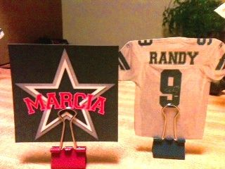 Dallas Cowboy-themed placecards using binder clips