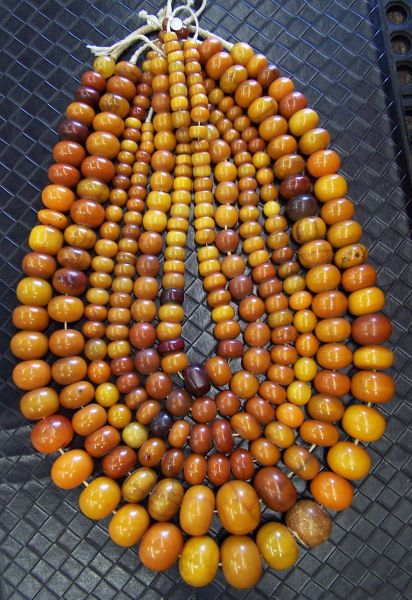 German Phenolic resin beads impersonating amber. Posted By Kathleen McCabe Elsey