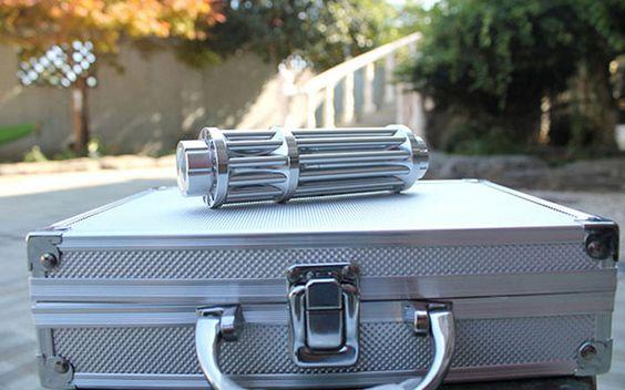 ◆Nicht bestrahltes menschliches oder tierisches Auge ◆Bitte bestrahlt nicht das fahrende Fahrzeug ◆Bitte schlägst du kein schweres Objekt mit einem Laserschwert, um nicht zu brechen ◆Es wird empfohlen, Laserschutzbrillen zu tragen,Wenn Sie verwenden http://www.starklasers.com/6000mw-8000mw-gruen-laserpointer.html