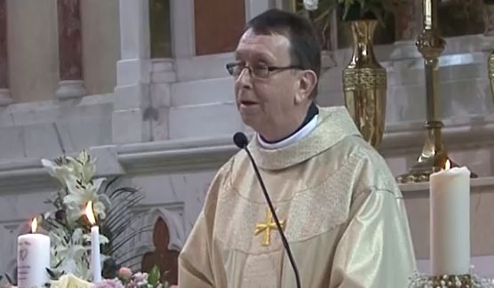priest stuns wedding guests with �unbelievable